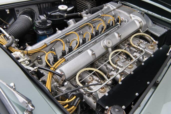 14-1961-Aston-Martin-DB4GT.jpg