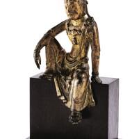 21. rare petite statuette de guanyin en bronze laqué or xiiie siècle  