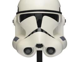 16. star wars revenge of the sith clonetrooper helmet, master replicas, 2005