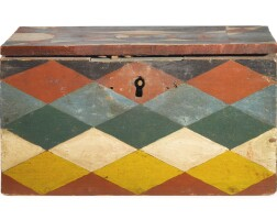 1211. small box with geometric design |