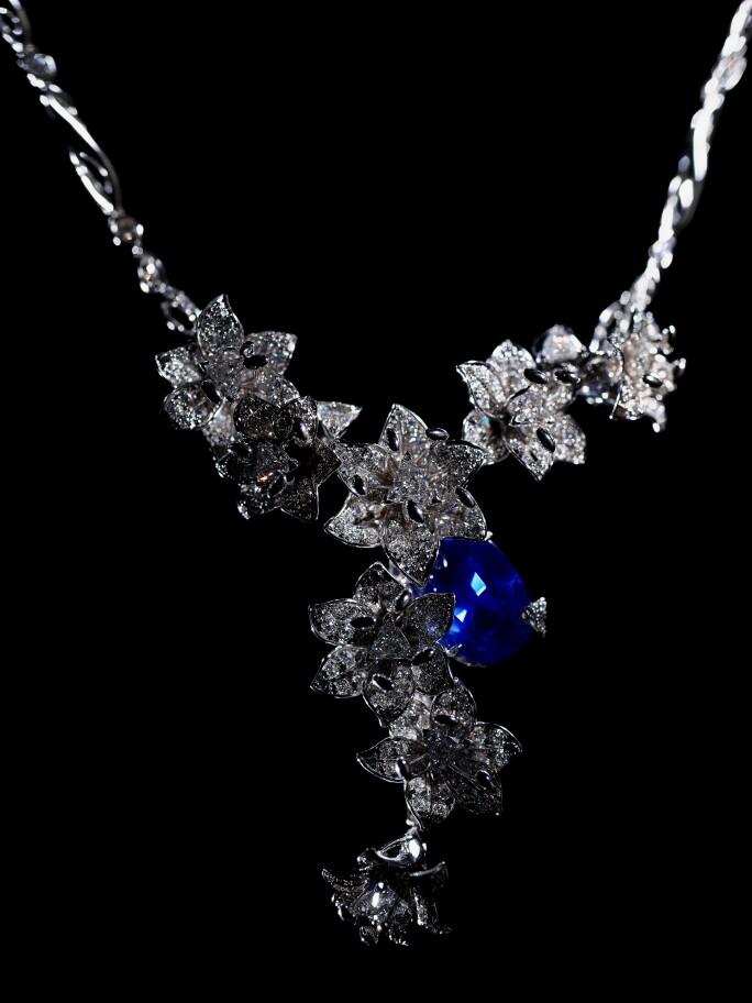 Edeenne-Interview-jewellery-25---Medicis.jpg