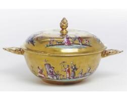 7. a meissen gold-ground écuelle and cover circa 1735-40